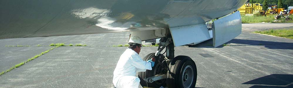 Tank Cleaning of Boeing 727 for LVI Environmental Services
