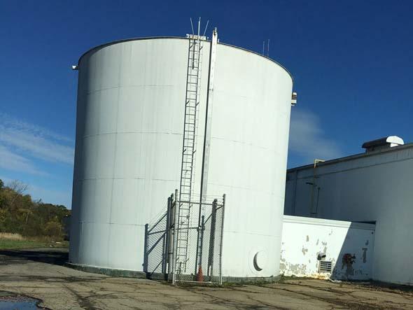 Fire suppression water storage tank