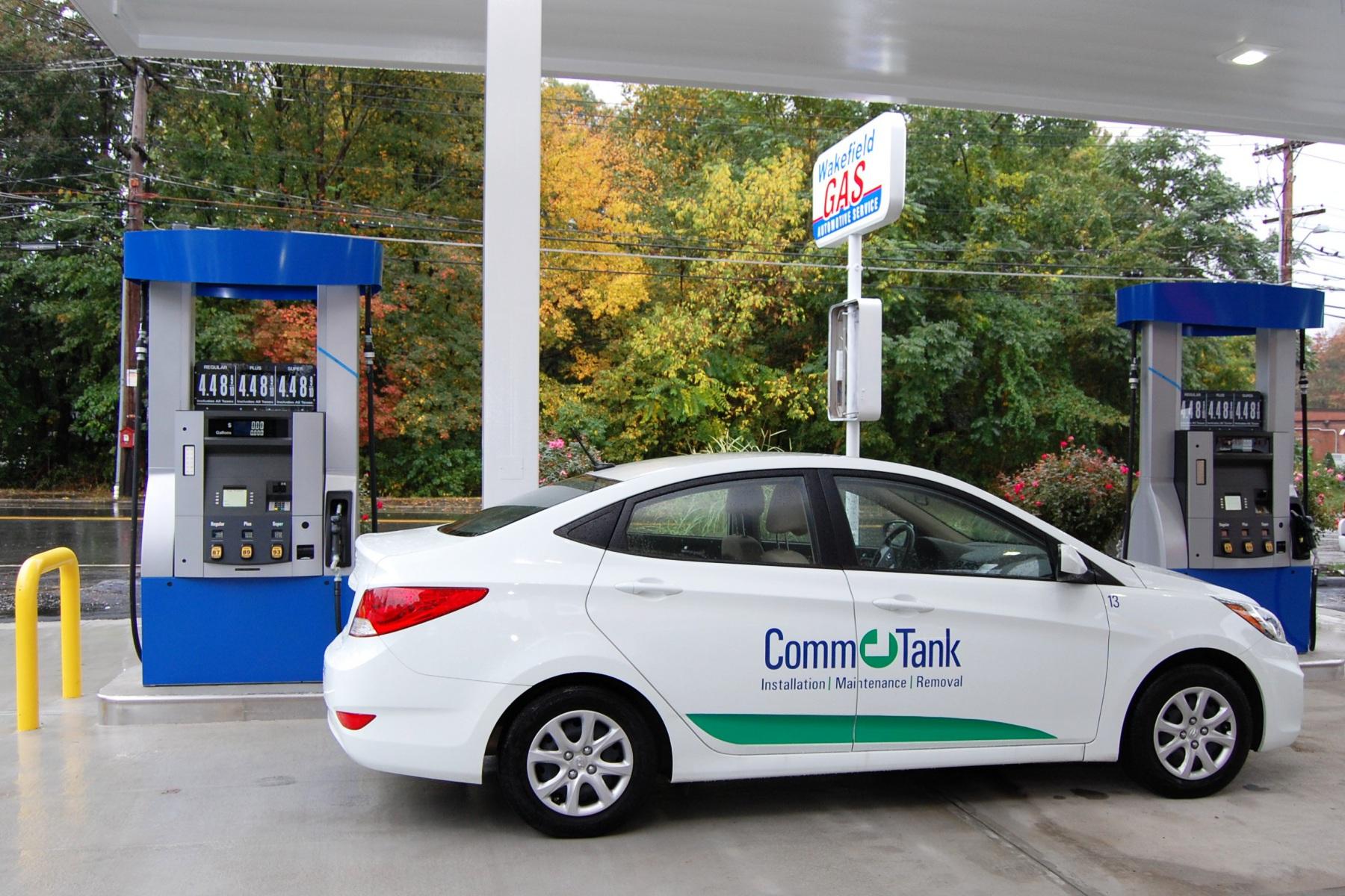 img_560c4737e84aa_Dispenser-CommTank-Car-6